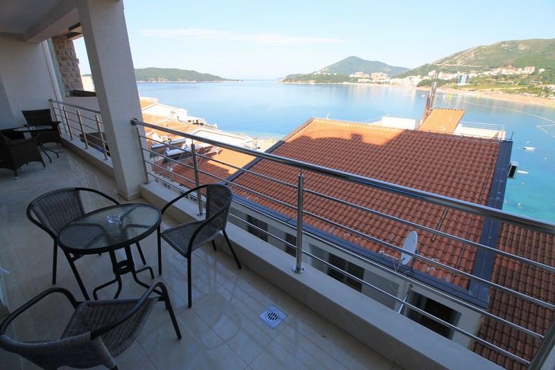 Balcony sea view (Copy)