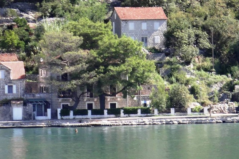 kuća slikana s mora (Copy)