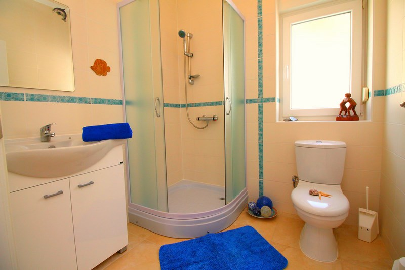 Bathroom ground floor (Copy)