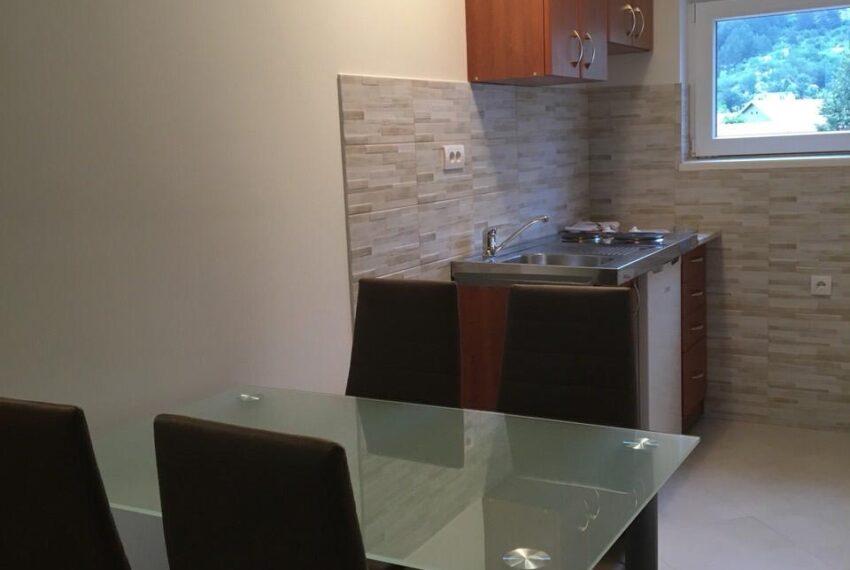 Slika 10 Apartman kuhinja i trpezarija