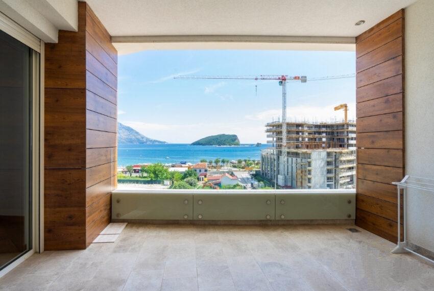 Budva centar prodaje se dvosoban stan 122m2