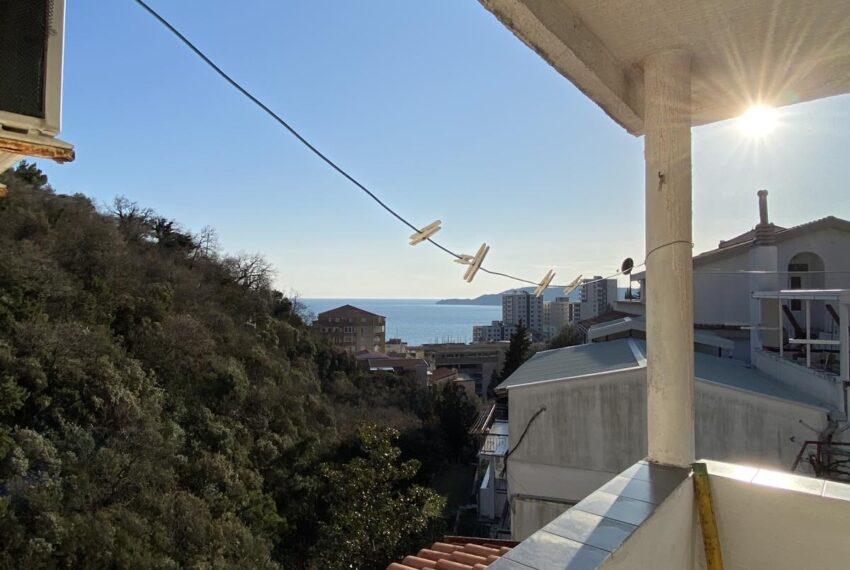 Pogled sa kuće