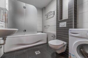 Kupatilo moderno sa tuš kadom